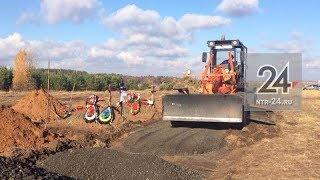 У городского кладбища в Нижнекамске начался ремонт дороги