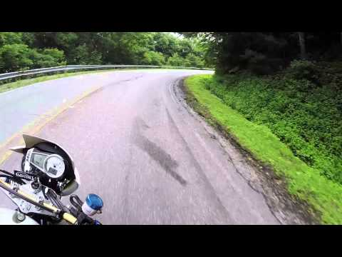 Motorcycle Safety: Tips for riding in the mountains and being safe in the curves