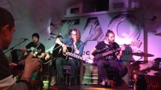 Scary Tale American Woman Cover Lenny Kravitz 07 11 16