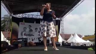 Video Pungky Fauziah - Meet and Greet ANTV @Pandeglang Banten (Galau and Cover Indah Pada Waktunya) download MP3, 3GP, MP4, WEBM, AVI, FLV Januari 2018