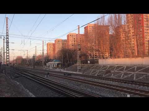 China railway 高功率运行HXN3的电笛问候 运行于沈山线于洪站HXN3型0274号机车牵引敞车下行快速出站