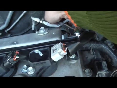 2007-2013 Toyota Corolla How to check and clean the PCV engine valve Yiannis Pagonis