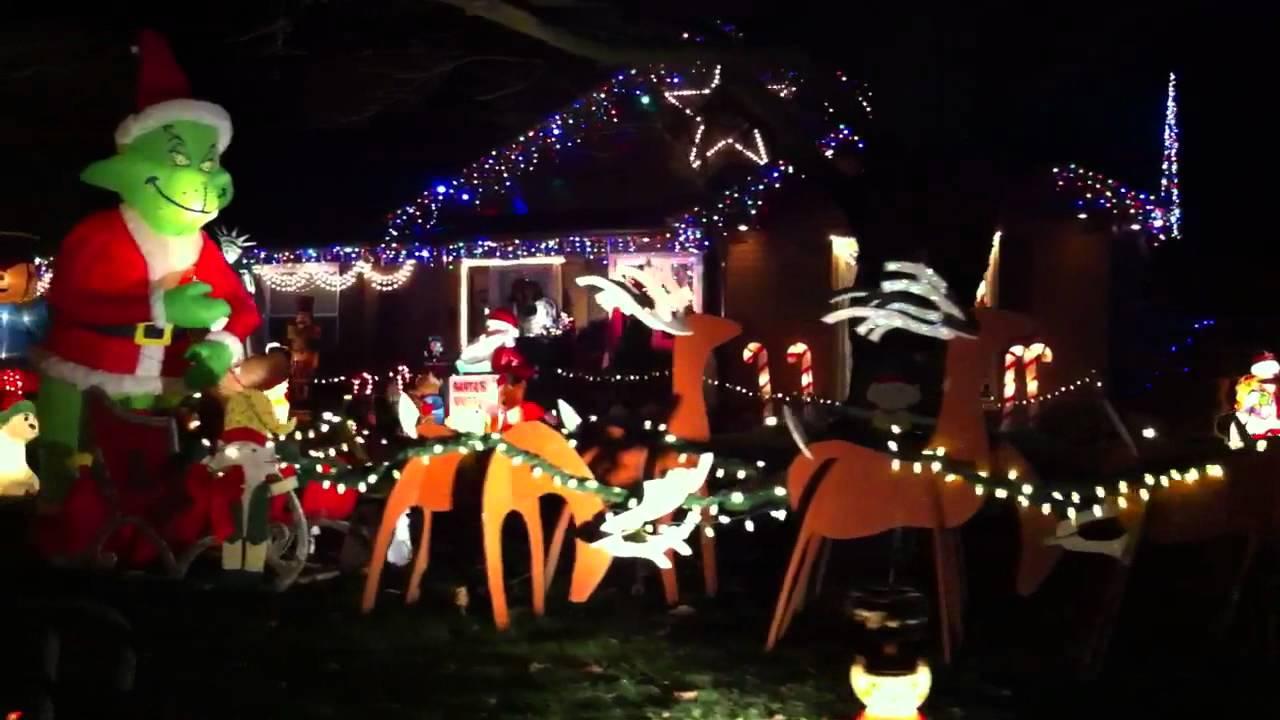 Kent Ohio Christmas lights display 12/24/11 - YouTube