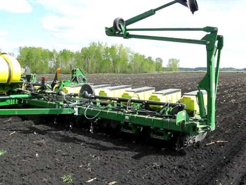 John Deere 16 Row Planter Planting Corn Youtube