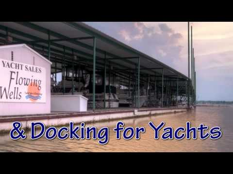 Lake Texoma Resort and Marina with Lakefront Homes and Boat Docking for Yachts in Texas