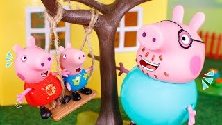 Peppa Pig Toys 🐷 We built a swing in the tree 😄🌳