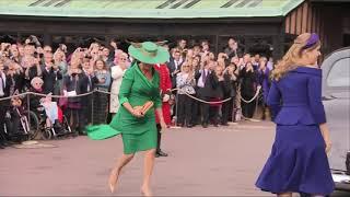 2018年10月12日英國王室尤金妮公主(Princess Eugenie)大婚,王室成員抵達會場(AP,美聯社)