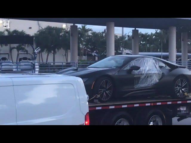 Rapper XXXTentacion's car is taken away by police