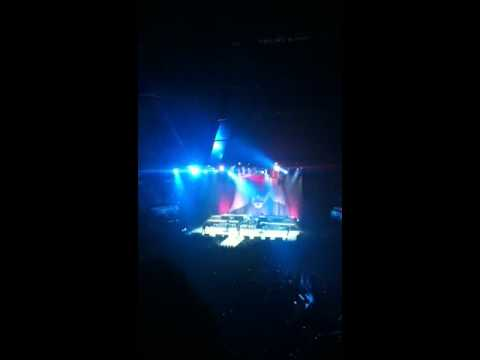 Eric Church- Blood, Sweat, and Beers Tour