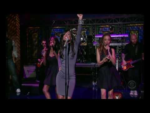 Alicia Keys- Teenage Love Affair (Live Letterman)