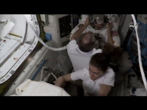 "Aktiviti luar stesen ""spacewalk"" US EVA-52 di ISS - 22 Mac 2019"