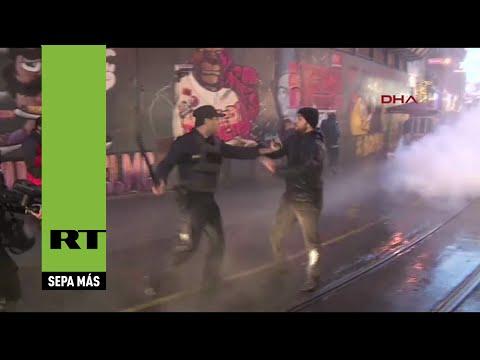La Policía dispersa en Estambul una protesta por el asesinato del abogado opositor de Erdogan