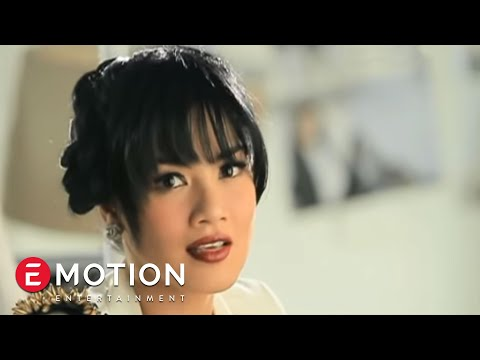 Free Download Titi Kamal - Sendiri (official Video) Mp3 dan Mp4