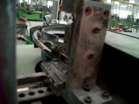 Cap installing machine for heating devices/Shenzhen Huashi Precision Technology Co., Ltd