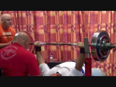Laurence Shahlaei totals 932.5kg raw...