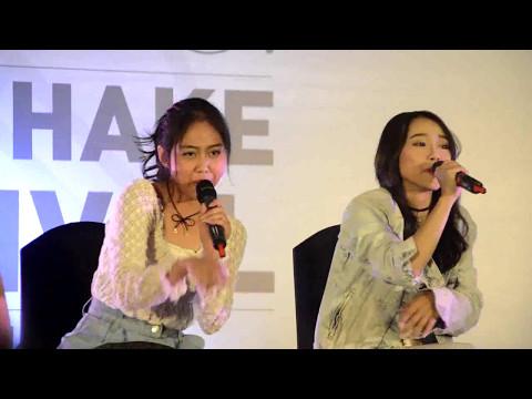 [Fancam] Nadila Sisca Rona Aurel JKT48 - Baby Baby Baby Accoustic Version