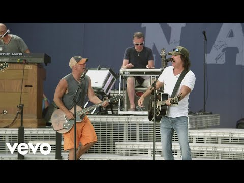 Kenny Chesney - Dust on the Bottle (Live with David Lee Murphy)