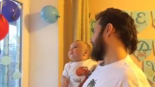 Шарики на день рождения(Алексу годик., 2015-01-05T17:43:17.000Z)