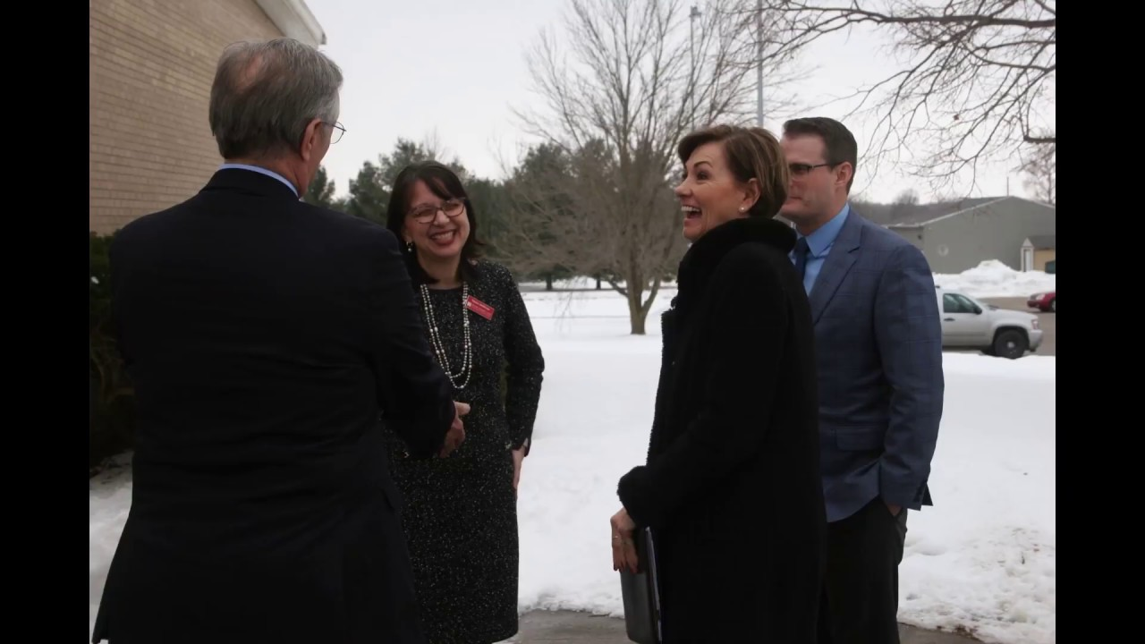 Gov. and Lt. Gov Visit Muscatine and MCC - Video