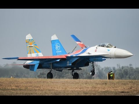 Sukhoi-27 Russian Knights- Arrival in HD
