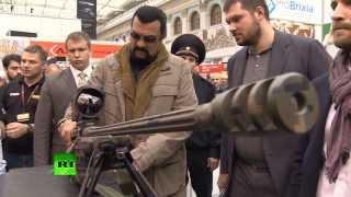 Стивен Сигал высоко оценил российское стрелковое оружие