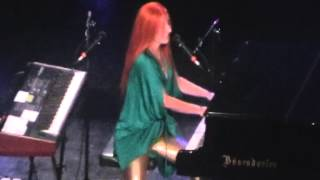 TORI AMOS - Live @ Moscow 2010 (FULL)