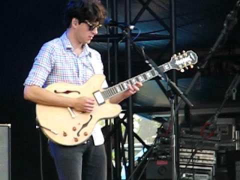 Vampire Weekend - Horchata - Ao vivo no Festival Isle of Wight 2010