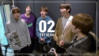 TXT VLOG ㅣ🕺🏻🤘🏻 데뷔 전 연습실 브이로그 ㅣ  TOMORROWXTOGETHER  Dance, Vocal Practice