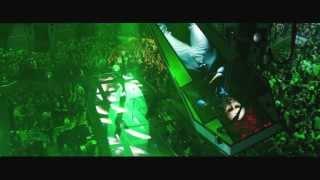 Уличная стычка (Metallica: Сквозь невозможное)