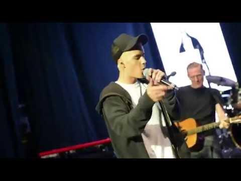 Justin Bieber & Bryan Adams - Baby (Live & Acoustic)