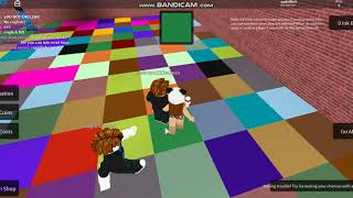 Playing Roblox color craze (ft coloridagam) link from her channel in the description