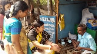 Smriti Irani pays cobbler Rs 100 to get her slippers repaired