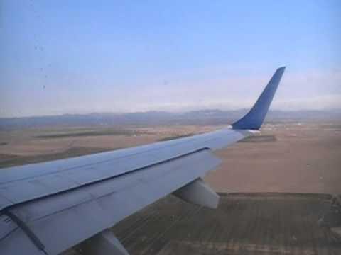Embraer E190 Landing Denver (DEN)