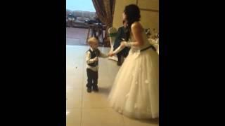 Песня про маму...песня на свадьбе..мама и сын