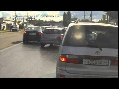 Рено Логан сбегает с места ДТП в Липецке