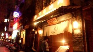 Repeat youtube video アキーラさん夜の散策①ベトナム・ホーチミン・レタントン通り(日本食街)・Little-Tokyo,Le-Thang-Ton-Street!Saigon,Vietnam