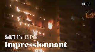 Un immeuble d'habitation ravagé par les flammes à Sainte-Foy-lès-Lyon