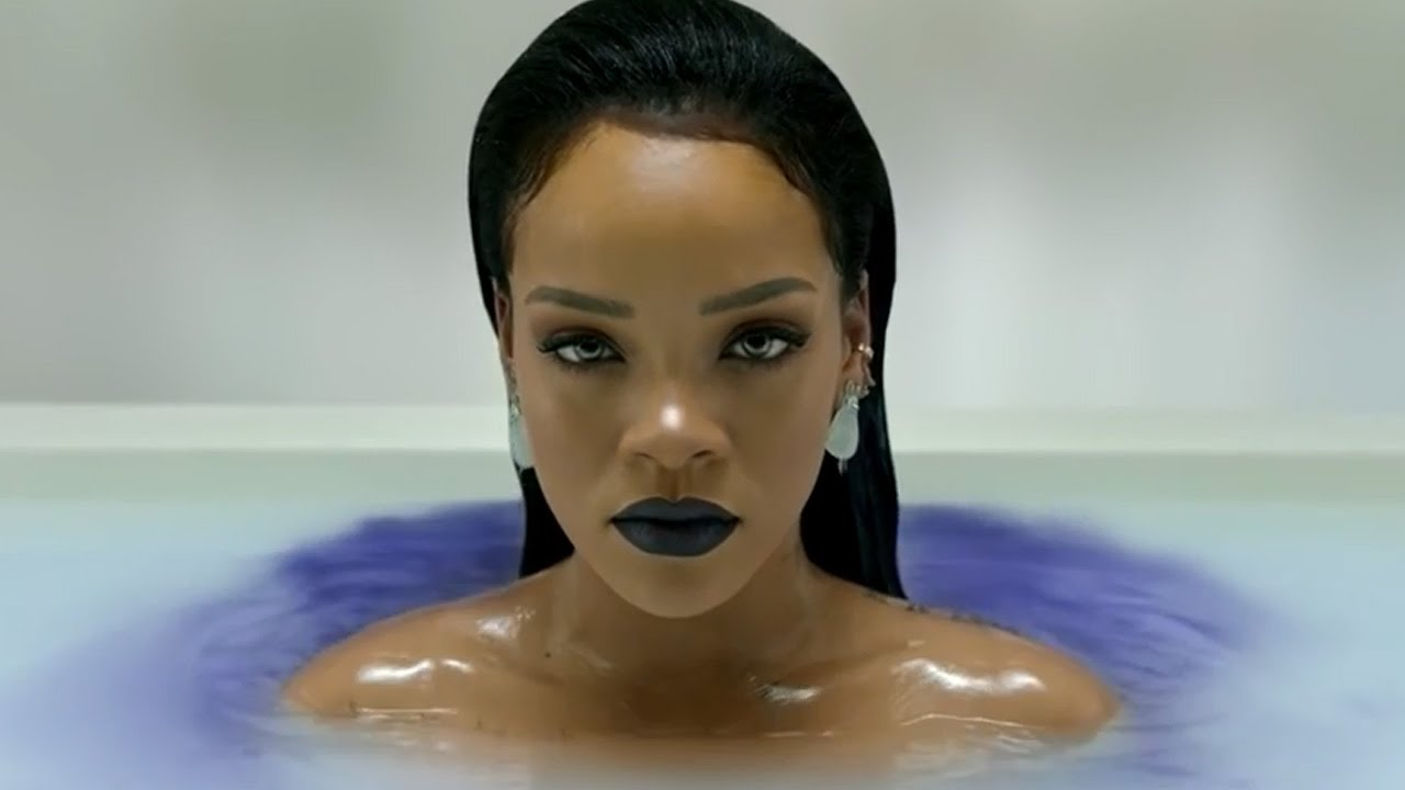 All Rihanna Nude Photos 30