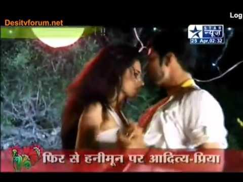 Maryada SBS 25th April 2011 (Aditya & Priya Ka Romance)