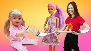 Новое видео с куклами БЕБИ БОН – Кормим и лечим Эмили Как Мама! - Игры для девочек.