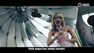 Download Video Cherrybelle - Dunia Tersenyum lirik [ Official Lyric Video ] MP3 3GP MP4