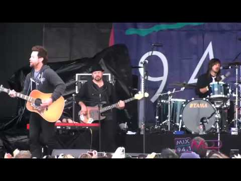 """David Cook Covers Adele's """"Rolling In The Deep"""" HQ"""