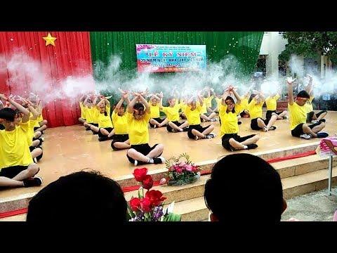 Dân vũ-lạc trôi-save me-[...]  12A1   THPT Nguyễn Thị Minh Khai   Đăk Lăk