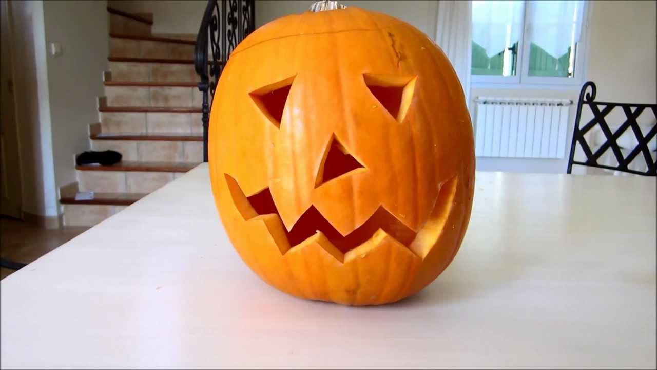Une Citrouille Pour Halloween : comment faire une citrouille d 39 halloween youtube ~ Carolinahurricanesstore.com Idées de Décoration