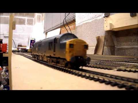Dunge Wood Model Railway - locos running