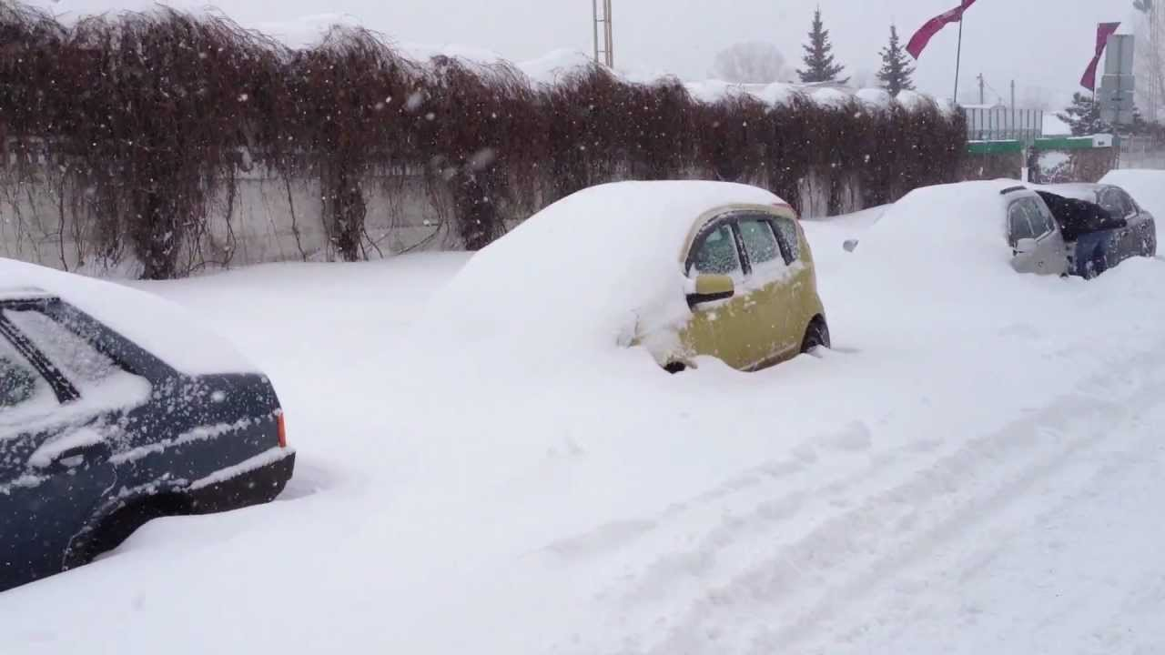 Снег в Киеве с 22 марта 2013 года YouTube
