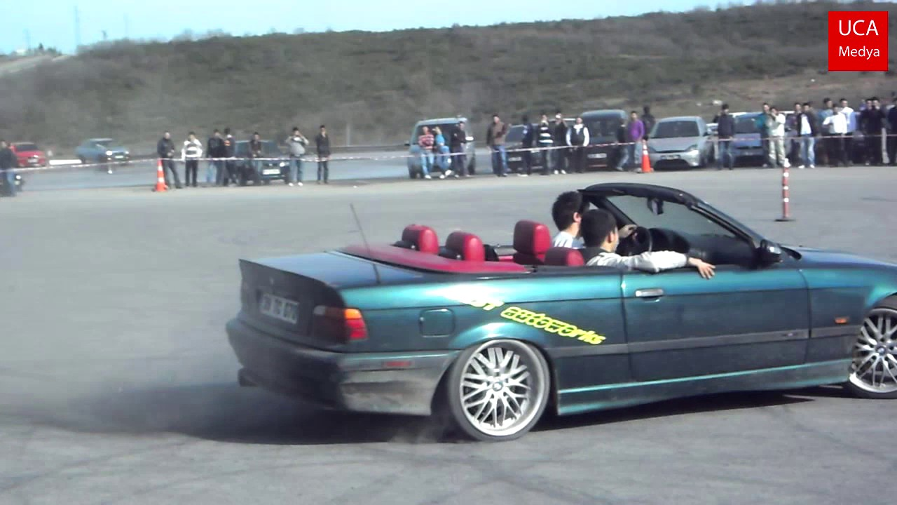 hight resolution of bmw e36 cabrio drift and burnout