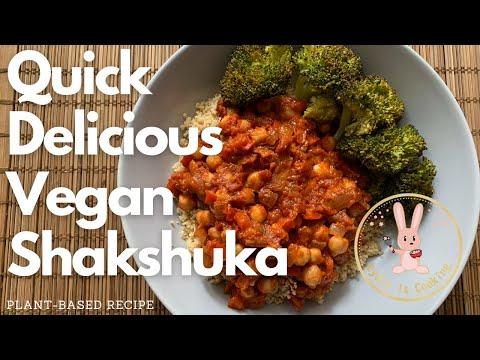 AMAZING 25 Minute Shakshuka [Recipe] [Vegan] [Plant-based]