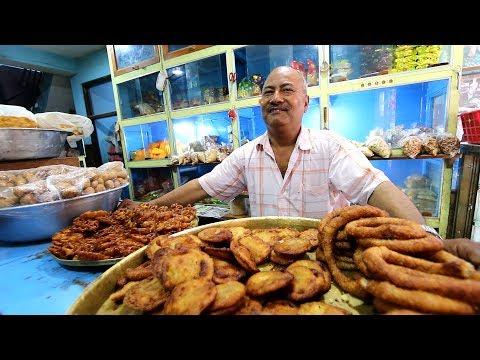 BACKSTREET Nepali STREET FOOD TOUR   BEST BREAKFAST Haunts & DEEP Kathmandu