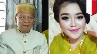 Download Video Kakek menikah dengan wanita muda 25 tahun mahar 1,4 miliar - TomoNews MP3 3GP MP4